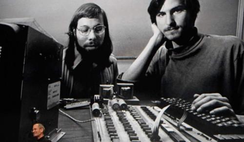 Que día se fundó Apple?