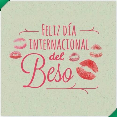 Tarjeta Día del Beso  (8)